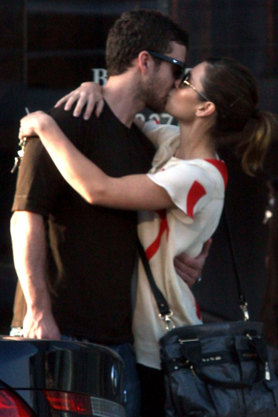 Justin Timberlake and Jessica Biel's Kiss-Off