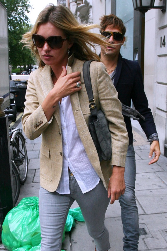 Kate Moss Leaves Jamie Hince Behind