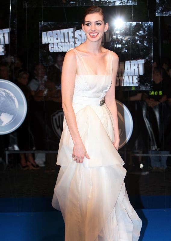 Anne Hathaway: Dark Times Prepare for Dark Role