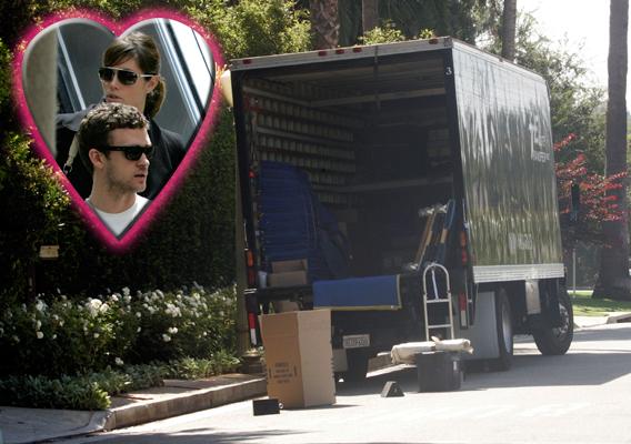 Jessica Biel and Justin Timberlake Play House