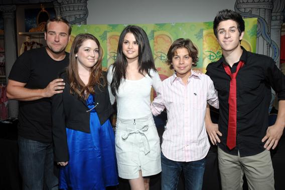 Selena Gomez: Nick Jonas Is Not My Muse-photo