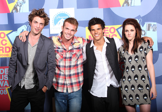 VIDEO: The 'Twilight' Cast at the VMAs