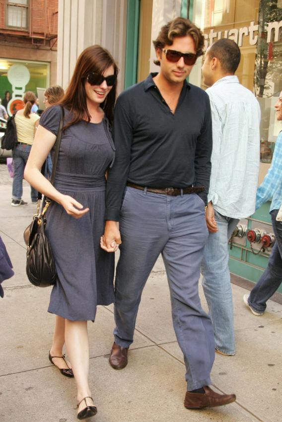 Anne Hathaway's Ex Sings for a Reduced Sentence
