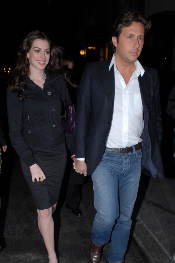 Morning Buzz: Anne Hathaway's Ex Pleads Guilty