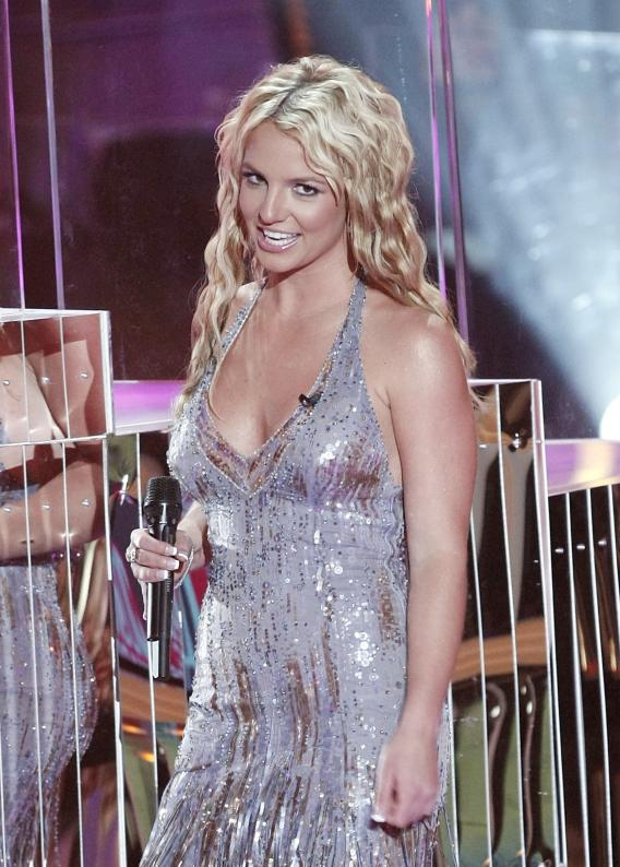 Britney Spears Gets Arty