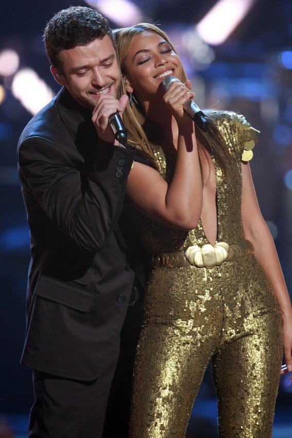 Beyoncé and Justin Timberlake Like Singing Together