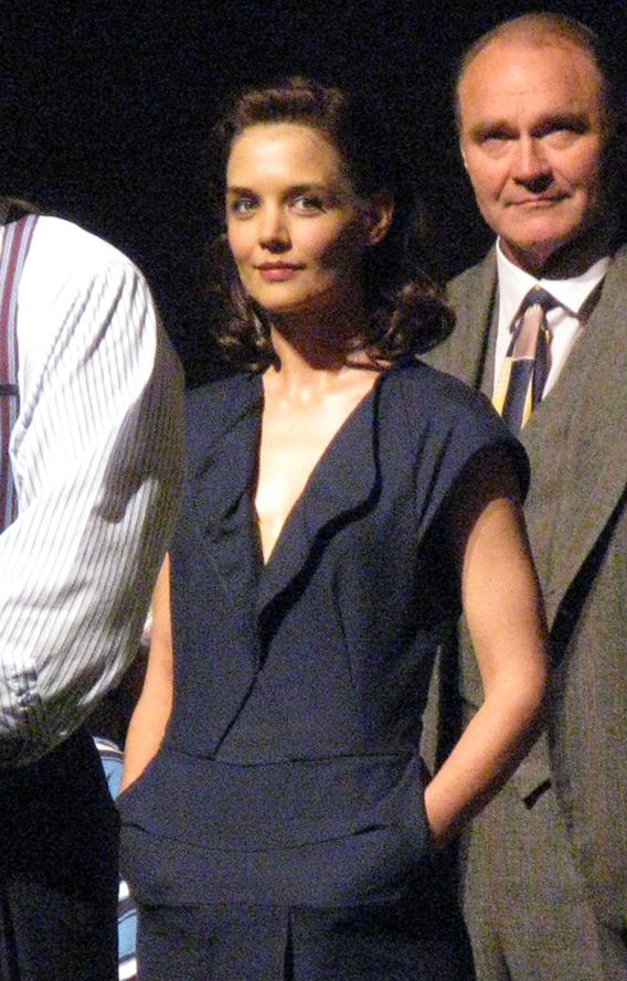 Katie Holmes Debuts on Broadway