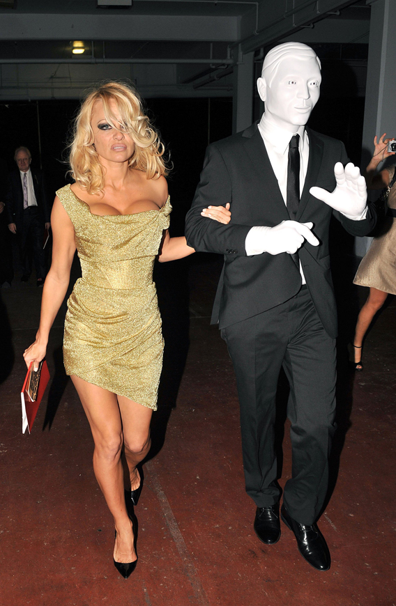 Pam Anderson's Date Is Totally Plastered!