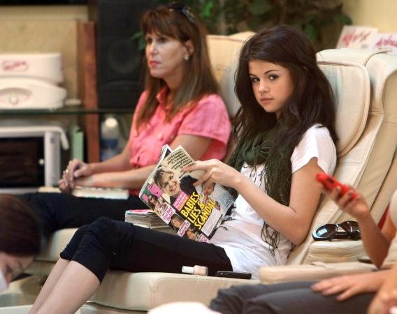 Selena Gomez Reads 'Us' While Getting a Pedi
