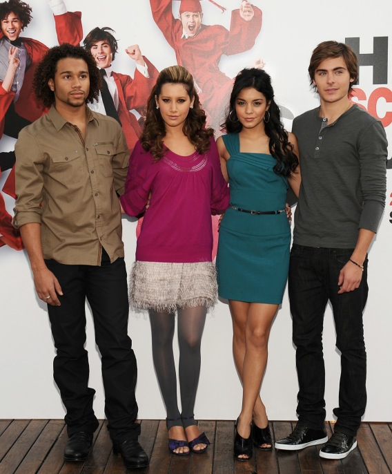 'High School Musical 3′ Is a Bloody Smash in England