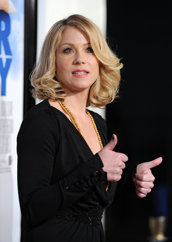 Ex: Christina Applegate Is 'Stepping Out' to 'Save Lives'