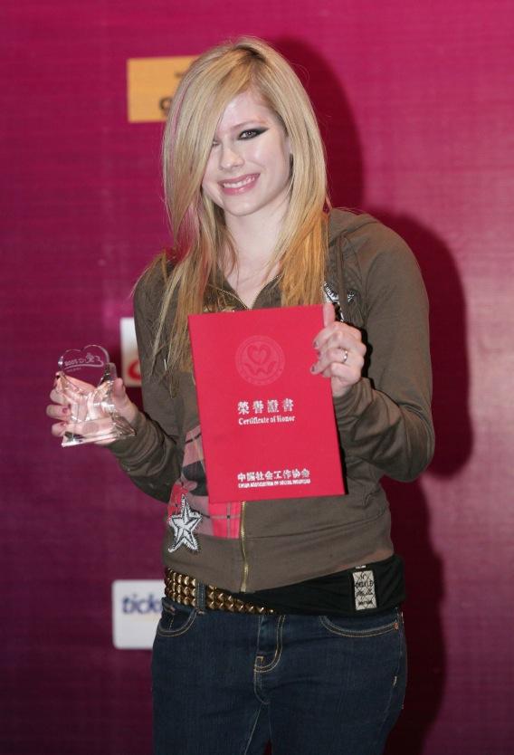 Avril Lavigne Is Appreciated Somewhere in the World