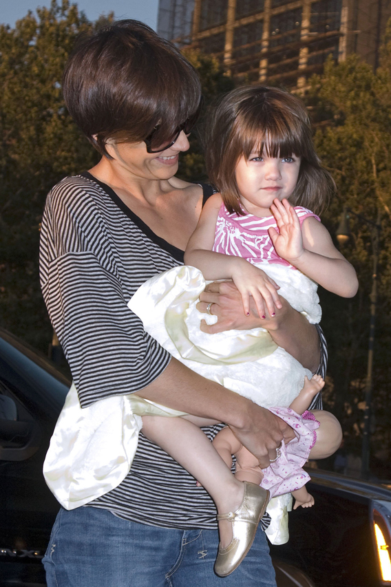 Does Suri Cruise Lead a Friendless Childhood?