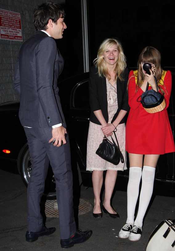 Oh, Snap, Kirsten Dunst, Mark Ronson: Love at the Valet?