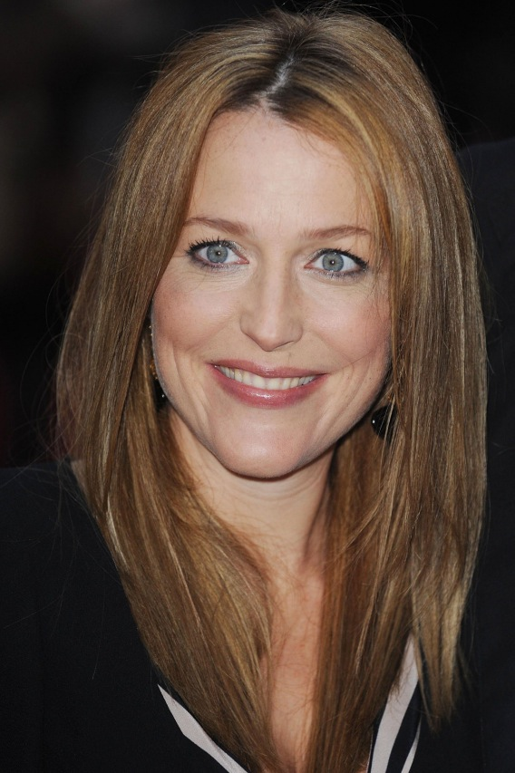 Morning Buzz: Gillian Anderson Gives Birth