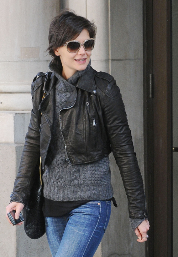 Katie Holmes Cuts Her Teeth in NYC