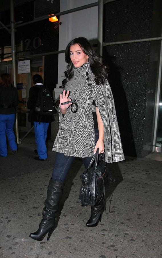 Kim Kardashian Stumps for Brooke Burke on 'DWTS'