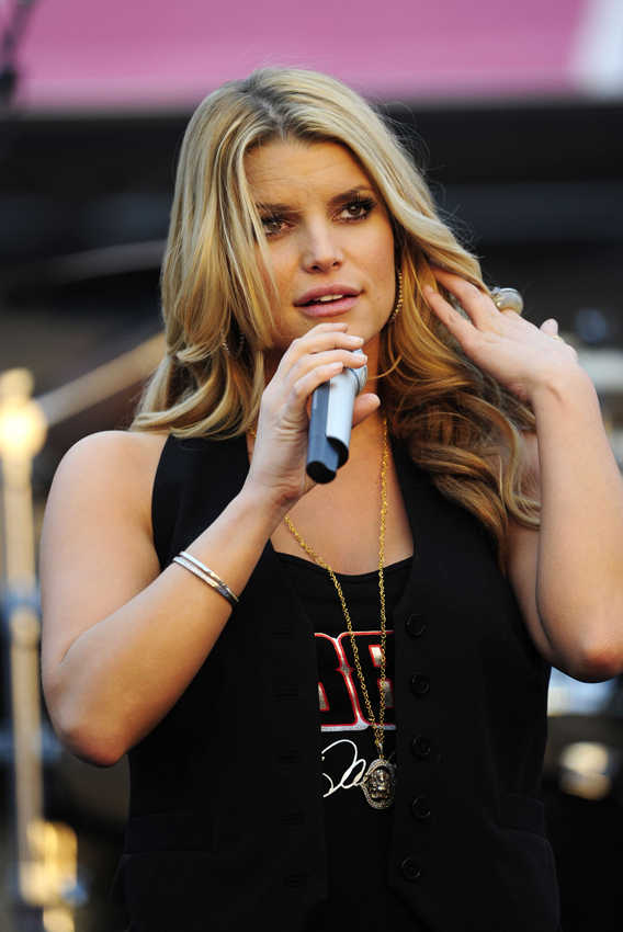 Jessica Simpson Has Big Hits In Russia