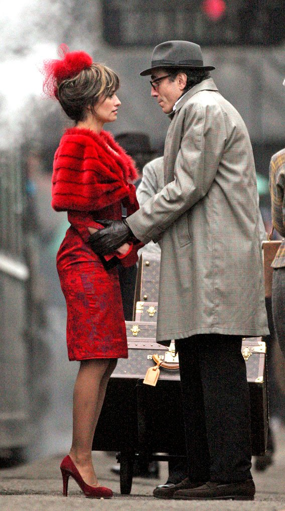 Penelope Cruz, Daniel Day Lewis: Dressed to the 'Nine's
