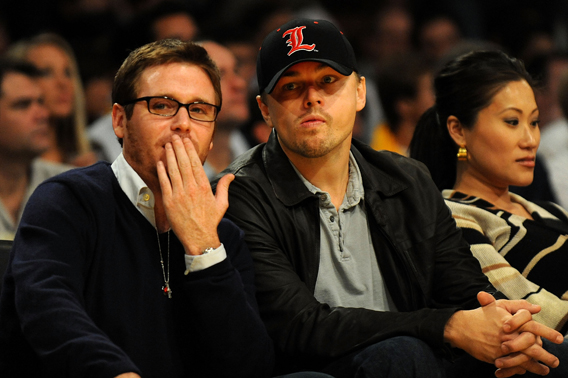 Leo DiCaprio and Kevin Connolly Bag It for the Ladies