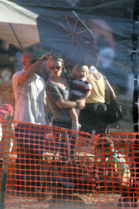 Morning Buzz: Britney Spears' Son Has Seizure?