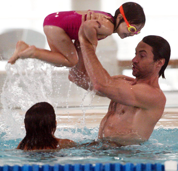 Hugh Jackman: Splish Splash!
