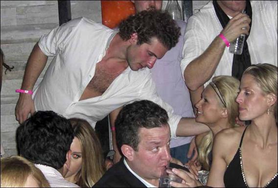 Paris Hilton and Stavros Niarchos Get Cozy Again-photo