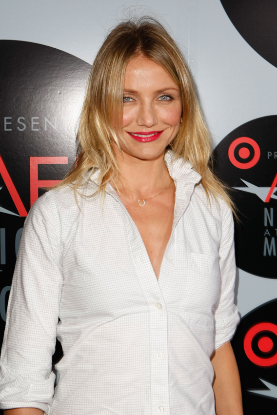 Cameron Diaz Gets Good and Giggly on 'Iconoclasts'