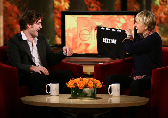 Robert Pattinson Admits He's a Bad Kisser