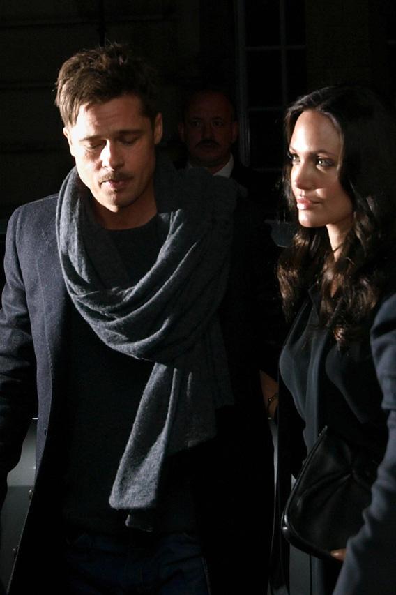 Angelina Jolie, Control Freak?