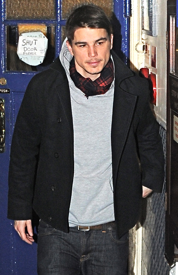 Josh Hartnett Back Out in the 'Rain'