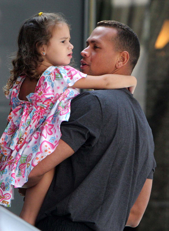 A-Rod Doing Thanksgiving with His Family After All