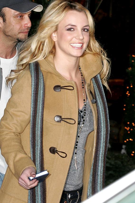 Morning Buzz: Britney Spears Announces Tour