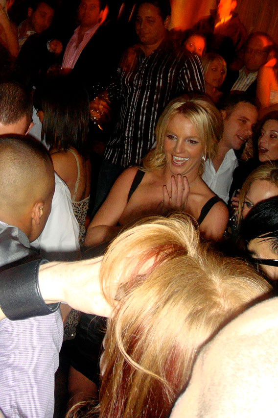 Britney Spears Lights Up NYC on her Birthday