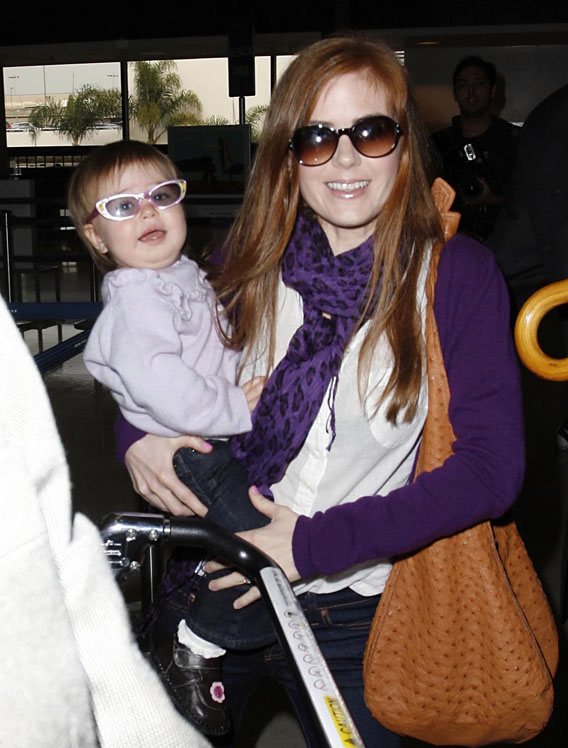 Isla Fisher and Olive: A Couple of Shady Characters