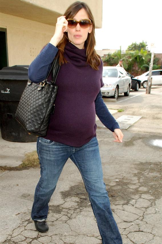 Jennifer Garner Gets Nailed
