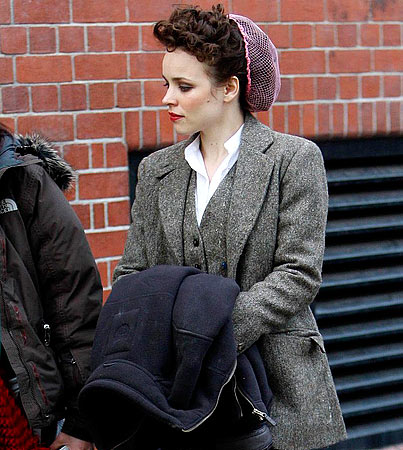 Jude Law and Rachel McAdams Get 'Holmes'ian