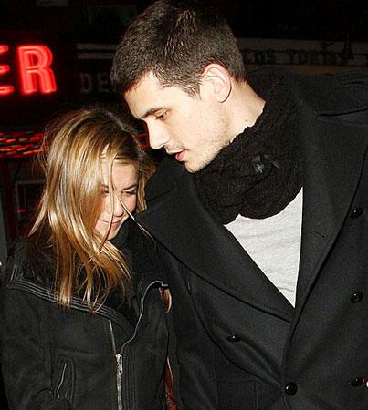 Does John Mayer Hate Jennifer Aniston's Dogs?