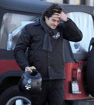 Orlando Bloom Does a Dent