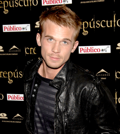 VIDEO: Cam Gigandet Skirts the Issue