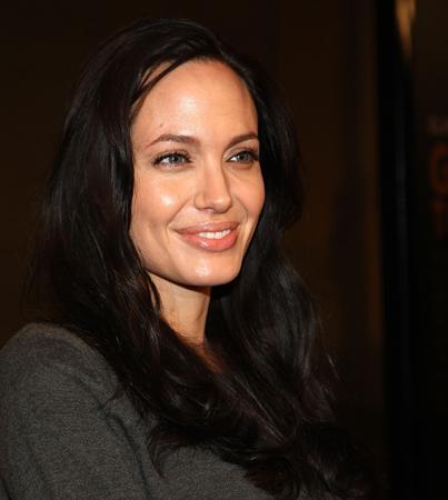 Angelina Jolie Shakes Up 'Salt'