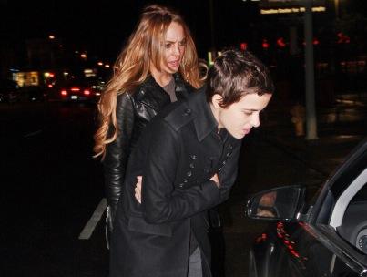 Morning Buzz: Lindsay Lohan and Samantha Ronson Over?