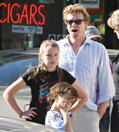 It's a Family-Outing Sunday for Simon Baker
