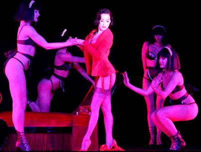 Dita von Teese: Burlesque Beauty