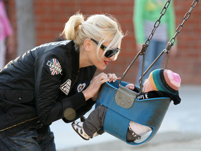 Gwen Stefani's Playground Playtime with Zuma and Kingston