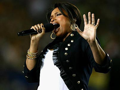 Jennifer Hudson Returns, Stuns Super Bowl
