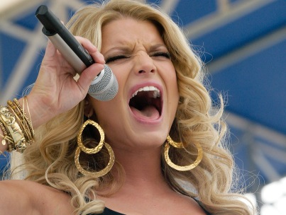 Jessica Simpson Melts Down On Stage