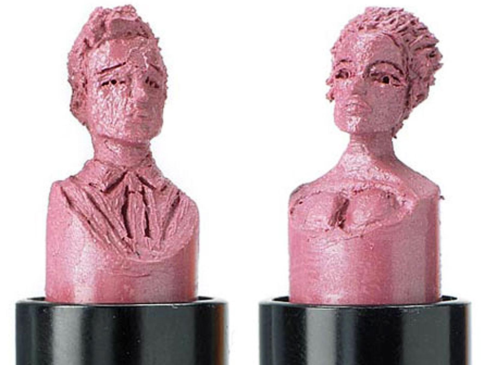 Brad Pitt and Angelina Jolie Receive Lipstick Service