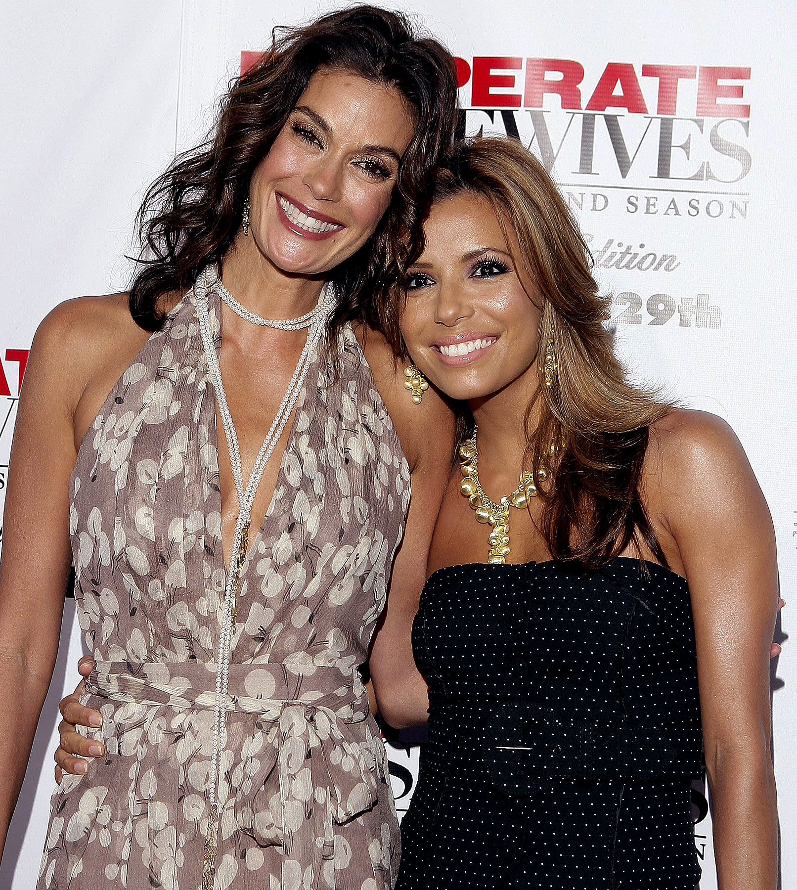 Teri Hatcher Puckering Up to Eva Longoria Parker