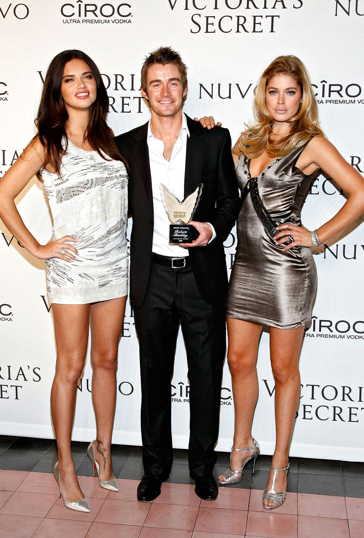 Robert Buckley Makes Sexy Time With Victoria's Secret Angels